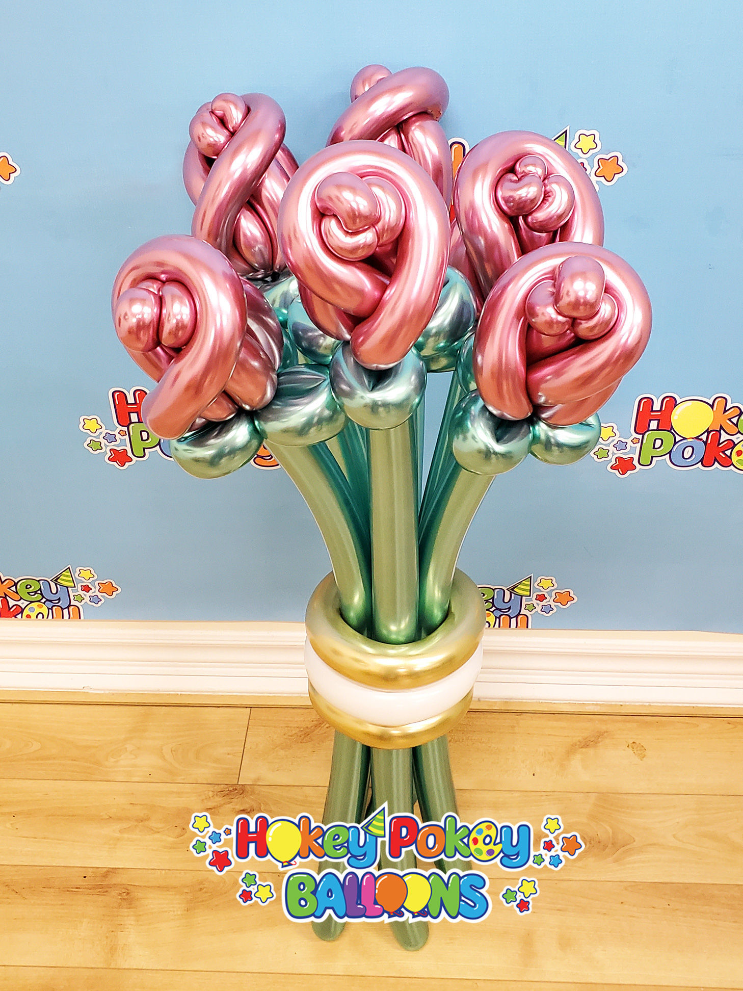 Picture of Chrome Rose Buds Balloon Bouquet (up to 21 flowers)