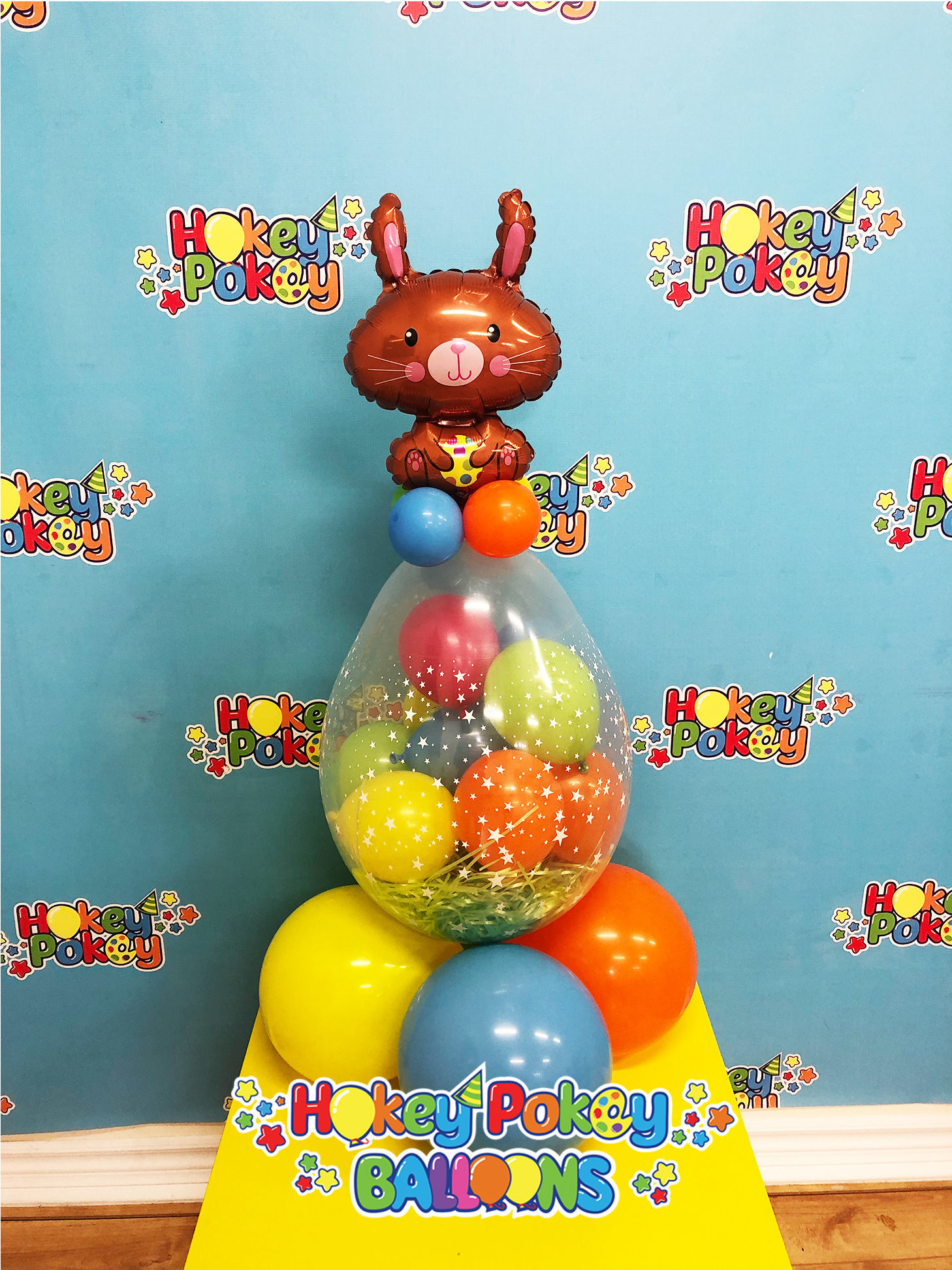 Picture of Easter Hunt - Stuffed Balloon Gift with a Foil Topper Balloon