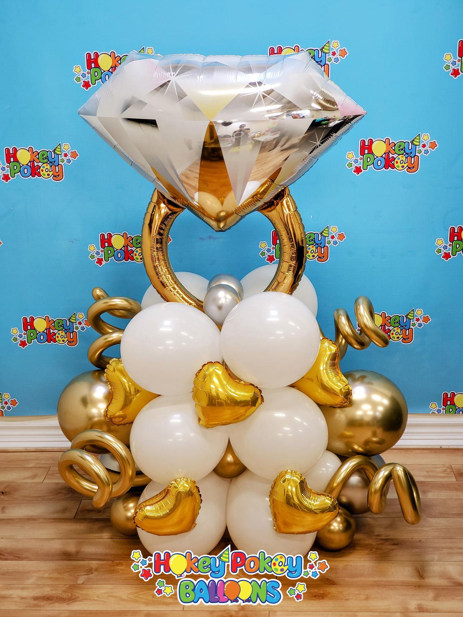 Picture of Diamond Ring  Deluxe Balloon Arragement