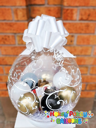 Picture of Lindt Chocolate  - Stuffed Gift Balloon with Bow